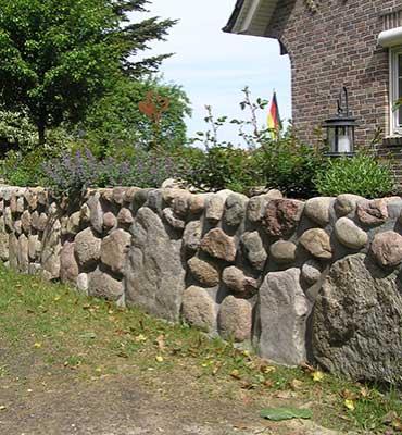 Natuersteinmauer doppelwandig